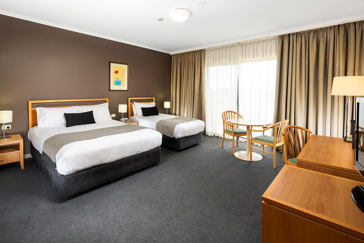 The Woden Hotel - Accommodation Rockhampton