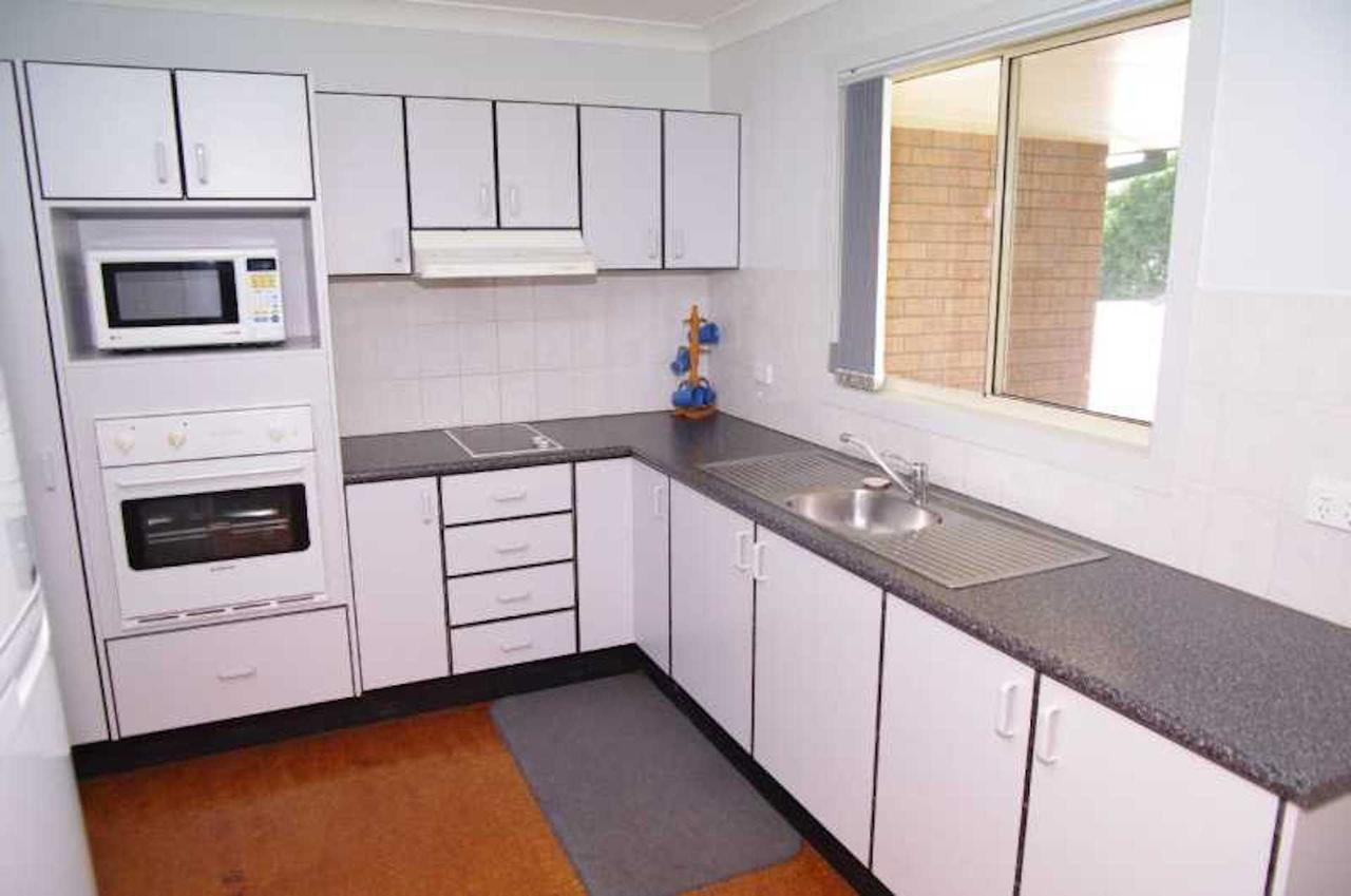 Bellhaven 1 17 Willow Street - Accommodation Rockhampton