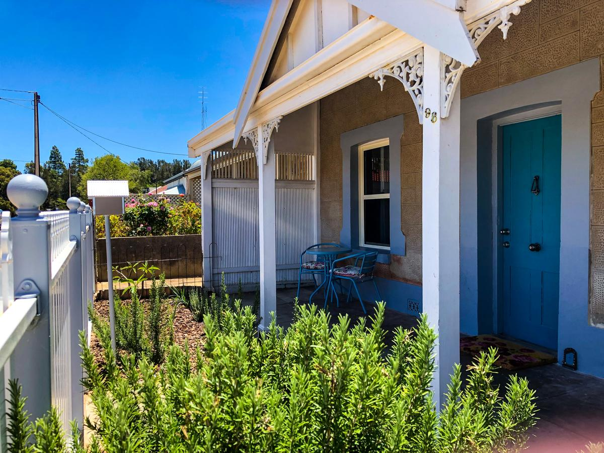 Inglenook Cottage - Accommodation Rockhampton