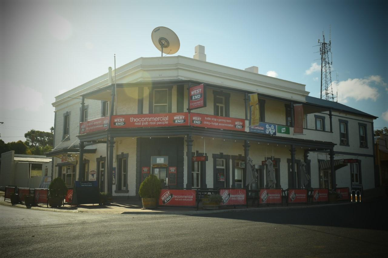 Commercial Hotel Morgan - Accommodation Rockhampton