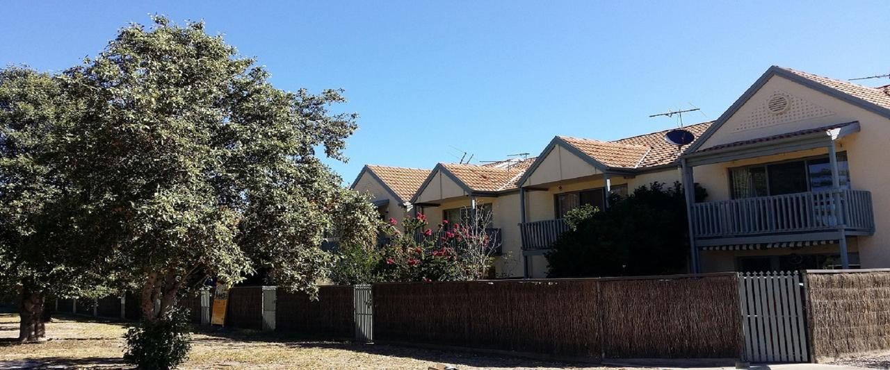 Townhouse On The Marina - Accommodation Rockhampton