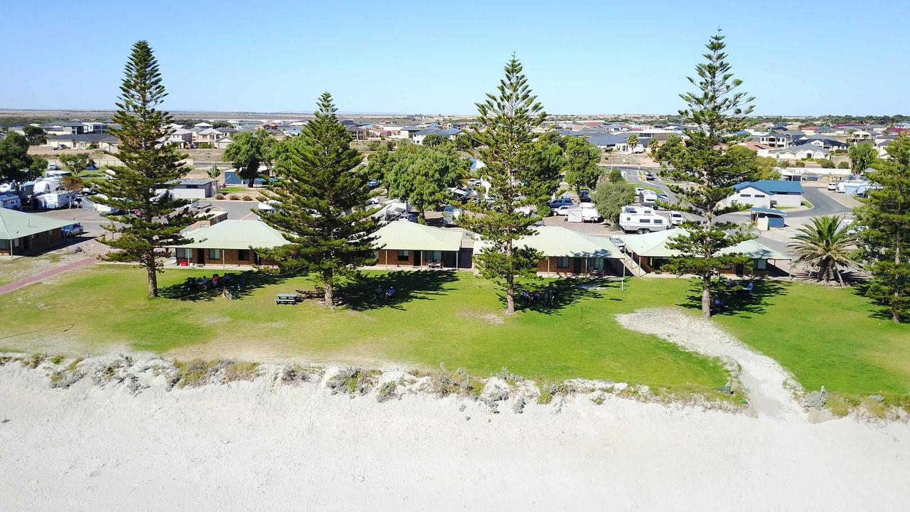 Wallaroo Holiday Park - Accommodation Rockhampton