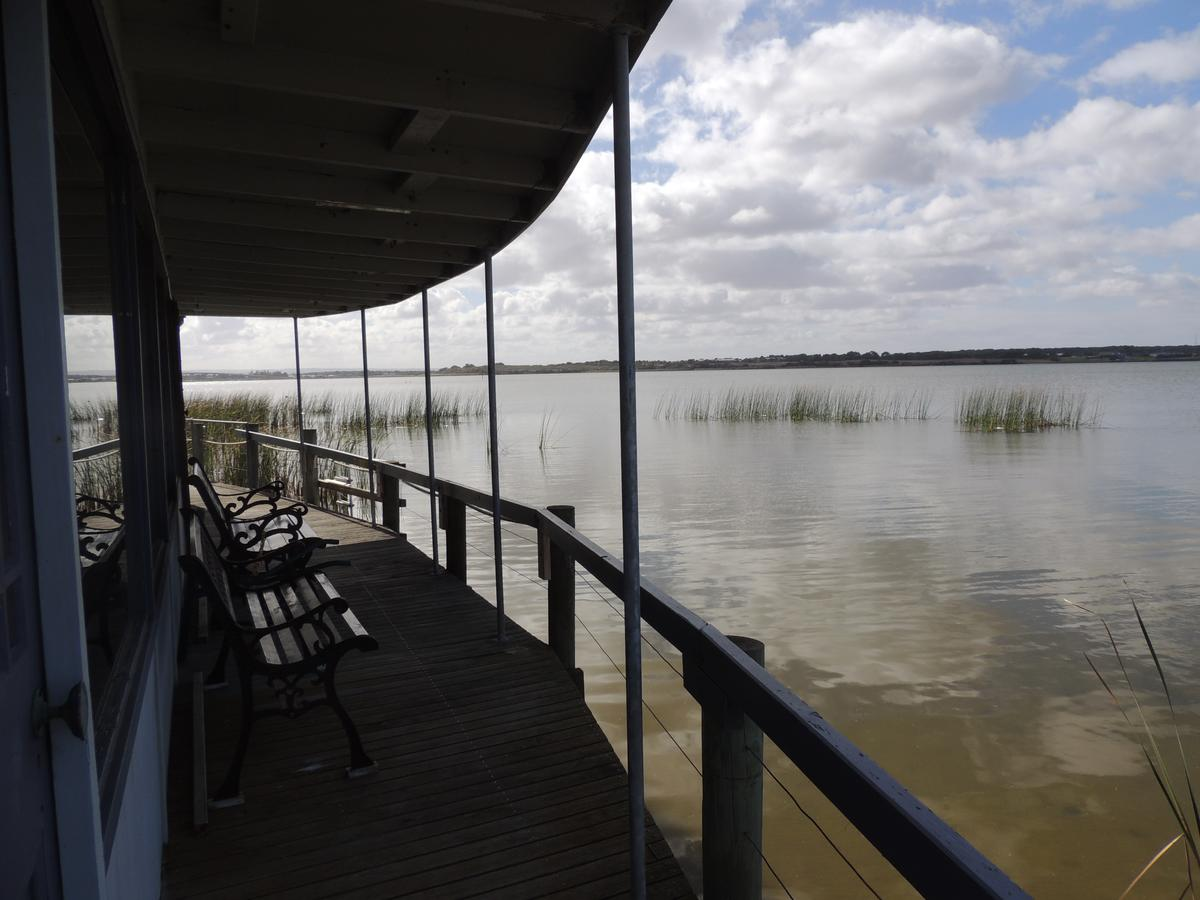 PS Federal Retreat Paddle Steamer Goolwa - Accommodation Rockhampton