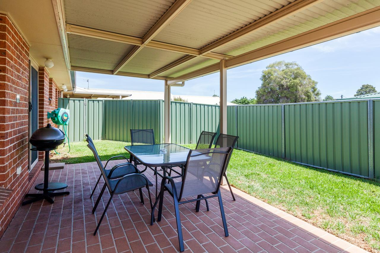 Colonial Court Villas - Accommodation Rockhampton