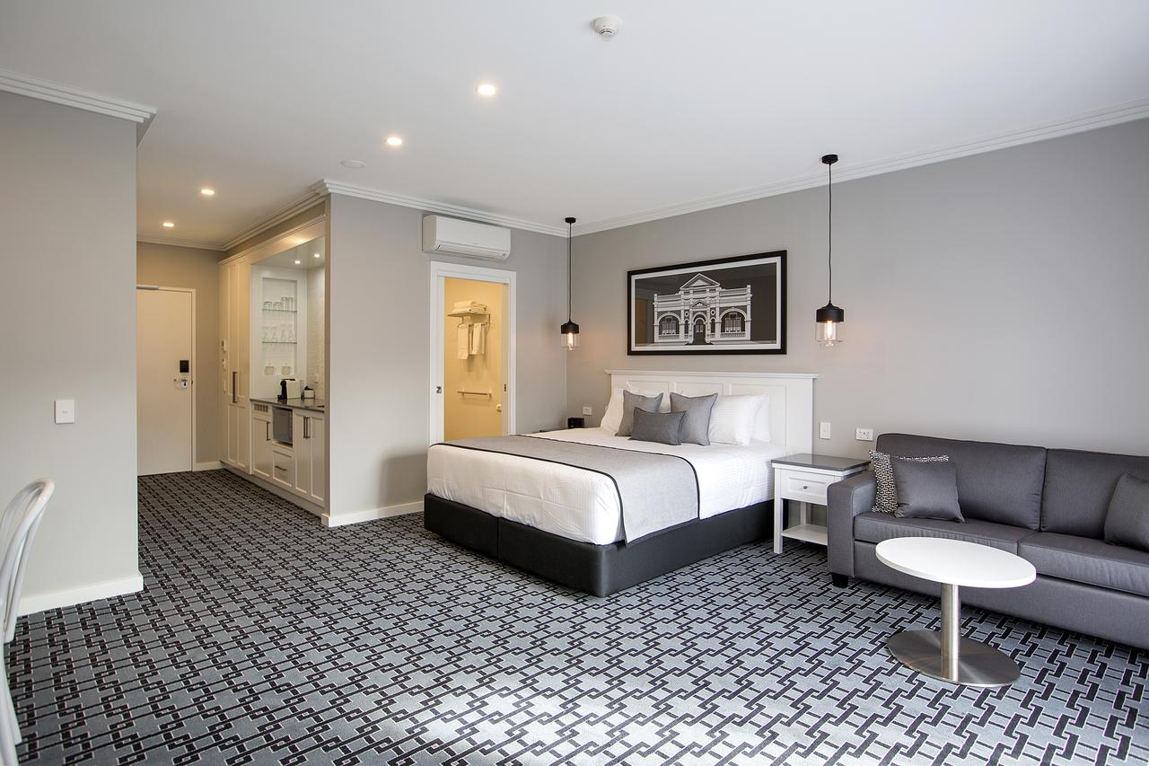 CH Boutique Hotel - Accommodation Rockhampton
