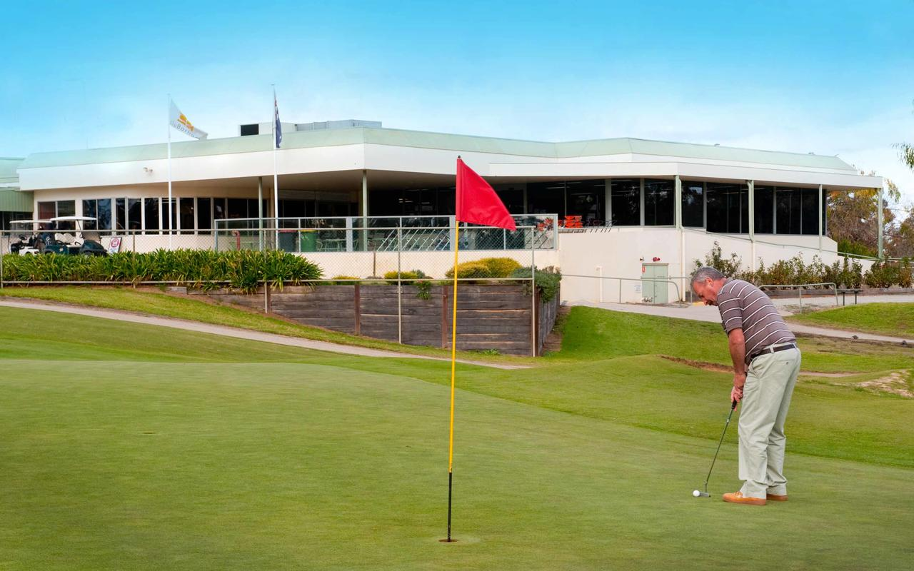 cluBarham Golf Resort - Accommodation Rockhampton
