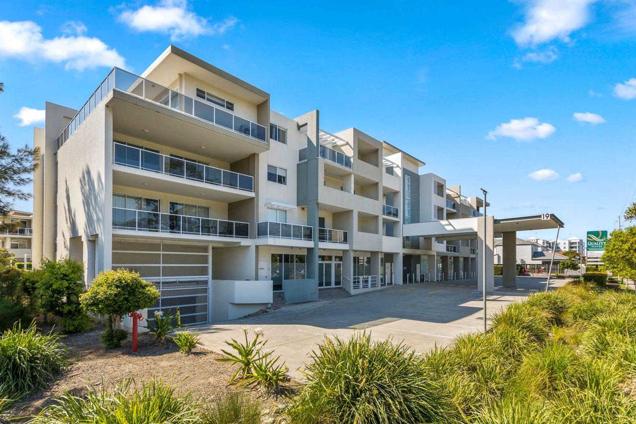 Quality Suites Pioneer Sands - Accommodation Rockhampton