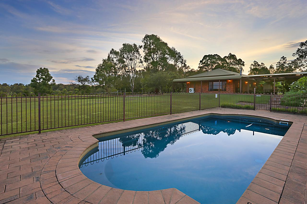 Ironstone Estate Lovedale - Accommodation Rockhampton