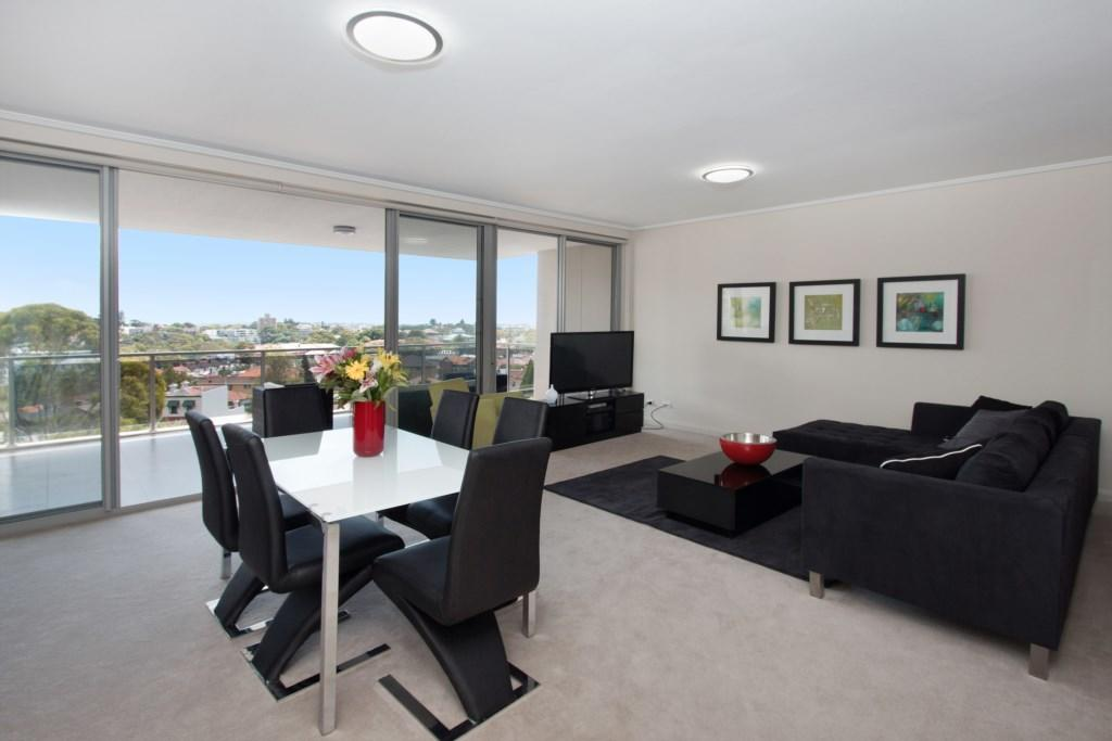 The Junction Palais - Modern and Spacious 2BR Bondi Junction Apartment Close to Everything - Accommodation Rockhampton