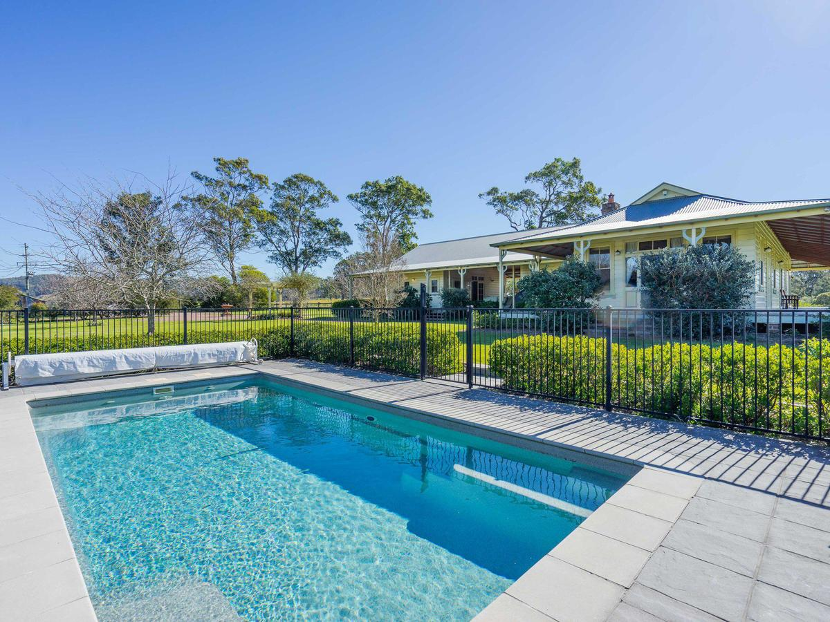 Roscrea Homestead - Luxury Retreat - Accommodation Rockhampton