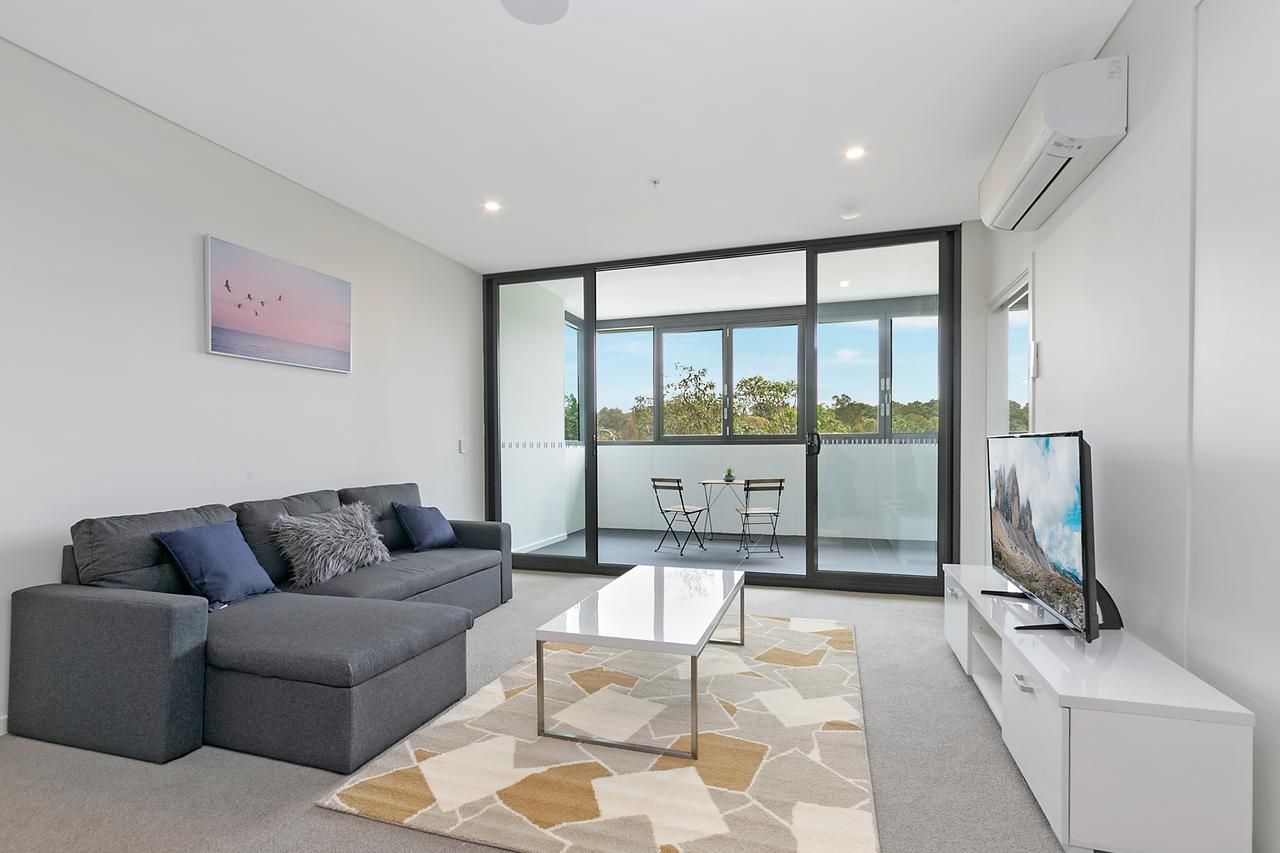 Stylish and Neat two bed apartment in Wentworth Point - Accommodation Rockhampton