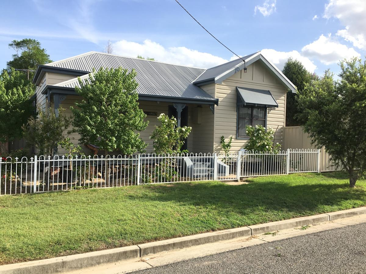 Caledonia Cottage - Accommodation Rockhampton
