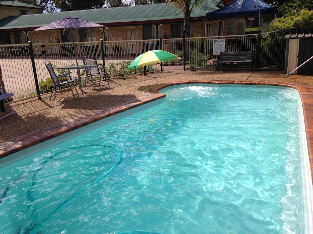 Country Rose Motel Warwick - Accommodation Rockhampton