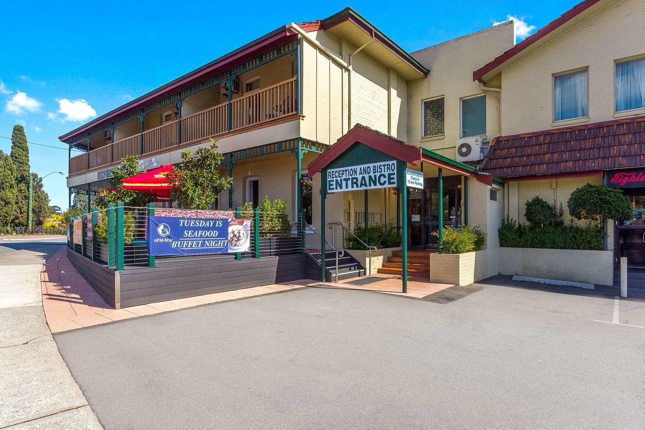 Quality Hotel Bayswater - Accommodation Rockhampton