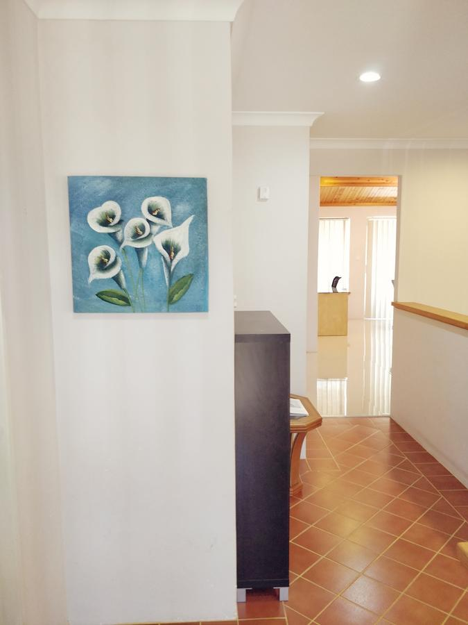 Cosy easy access home near Perth CBD and Fremantle - Accommodation Rockhampton