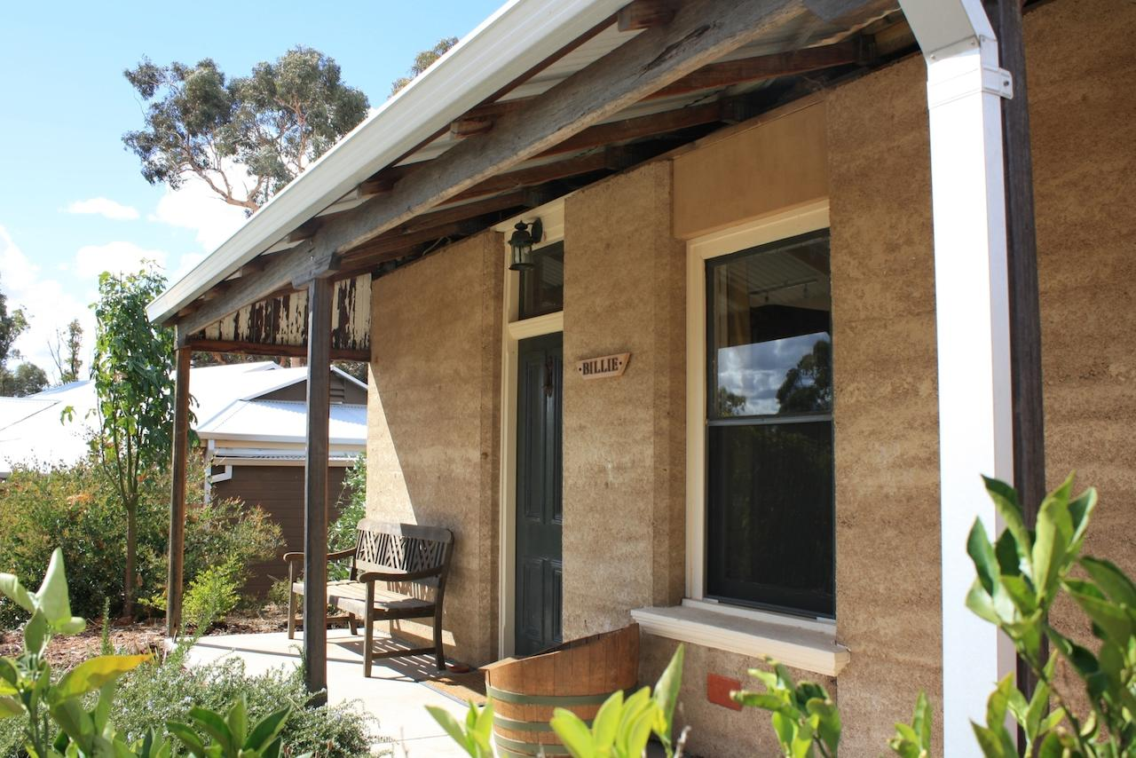 Hotham Ridge Winery and Cottages - Accommodation Rockhampton
