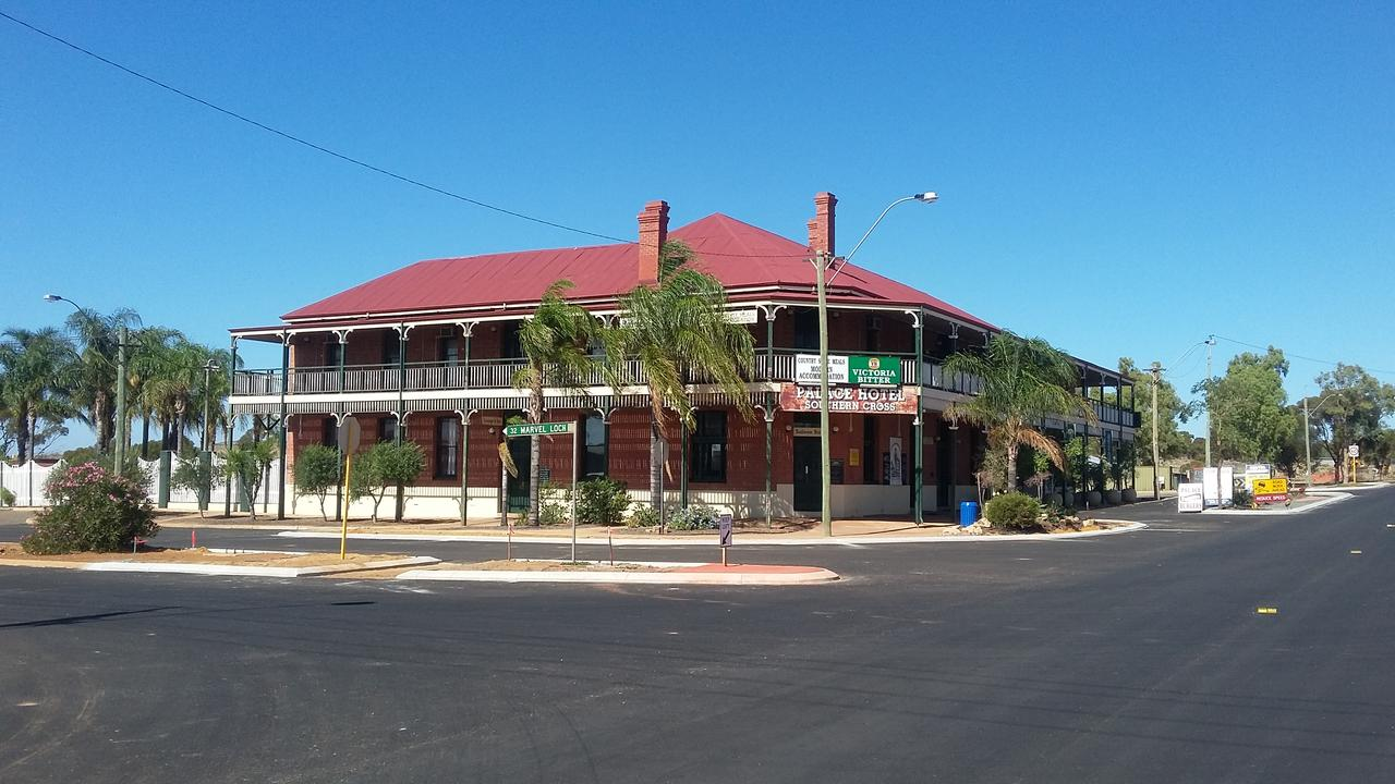 The Palace Hotel - Accommodation Rockhampton