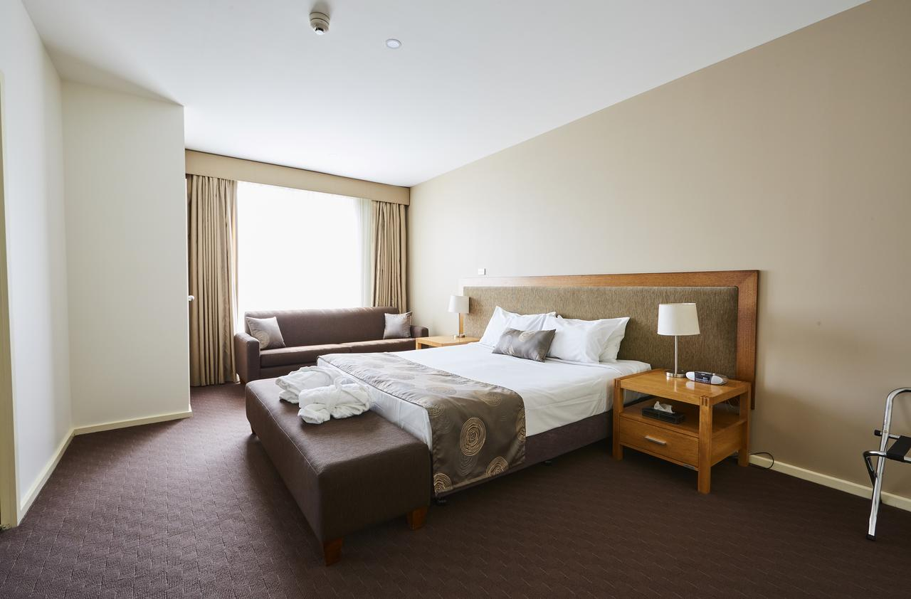 Mornington Hotel - Accommodation Rockhampton