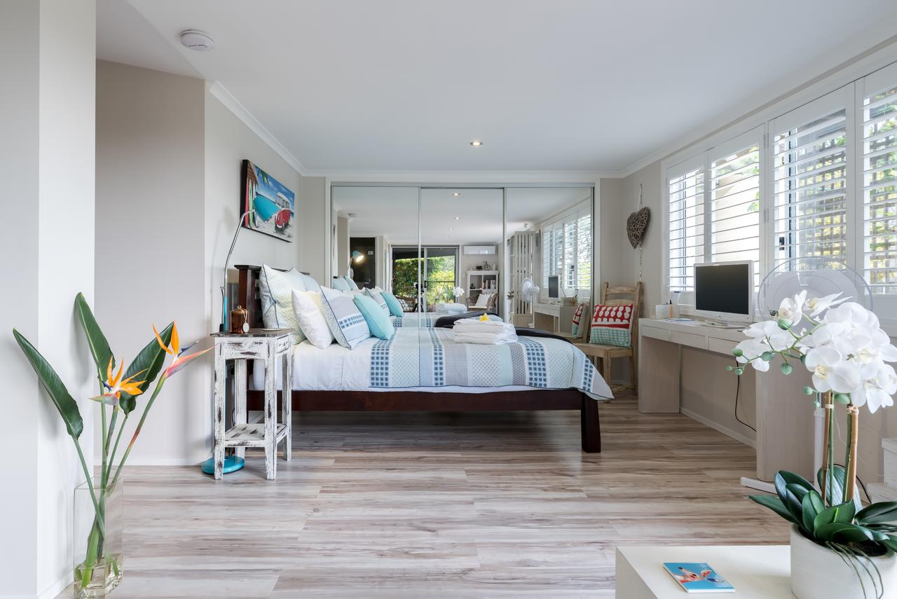 Private guest suite high on Currumbin hill