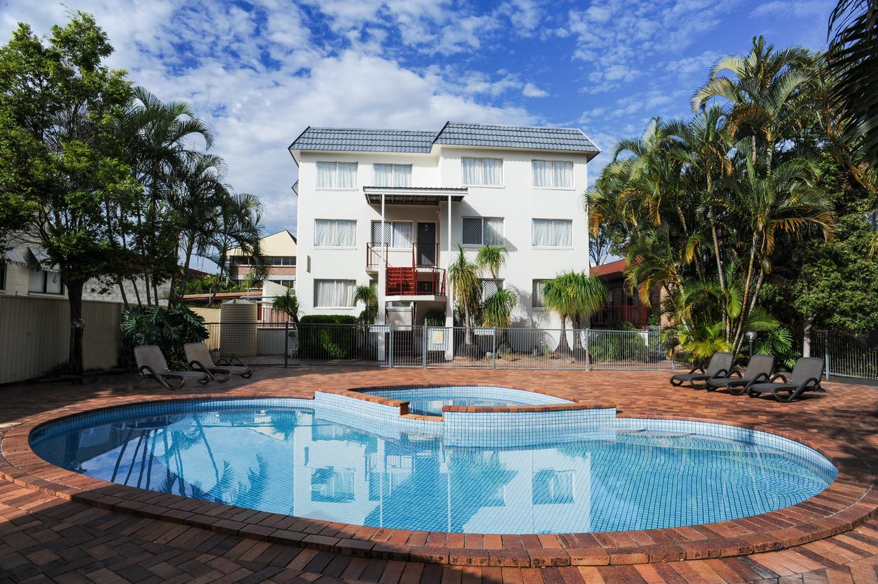 Earls Court Motel  Apartments - Accommodation Rockhampton