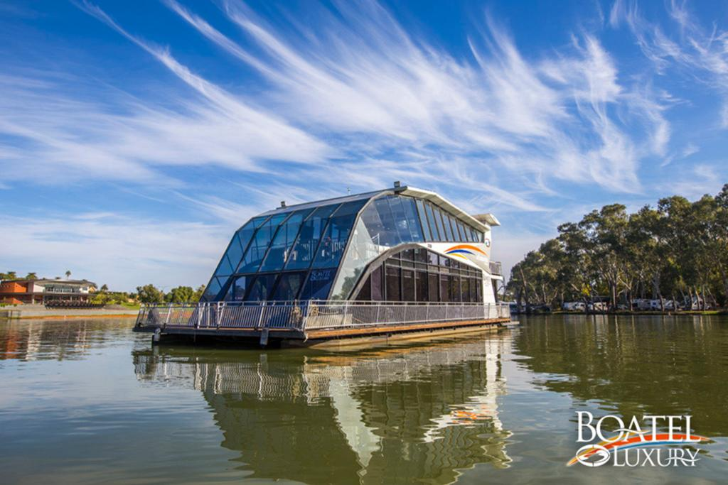 All Seasons Houseboats - Accommodation Rockhampton